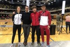 Erfolgreich in London: Die Trainer Thomas Walach und Mateusz Wicher mit Frida und Luki.