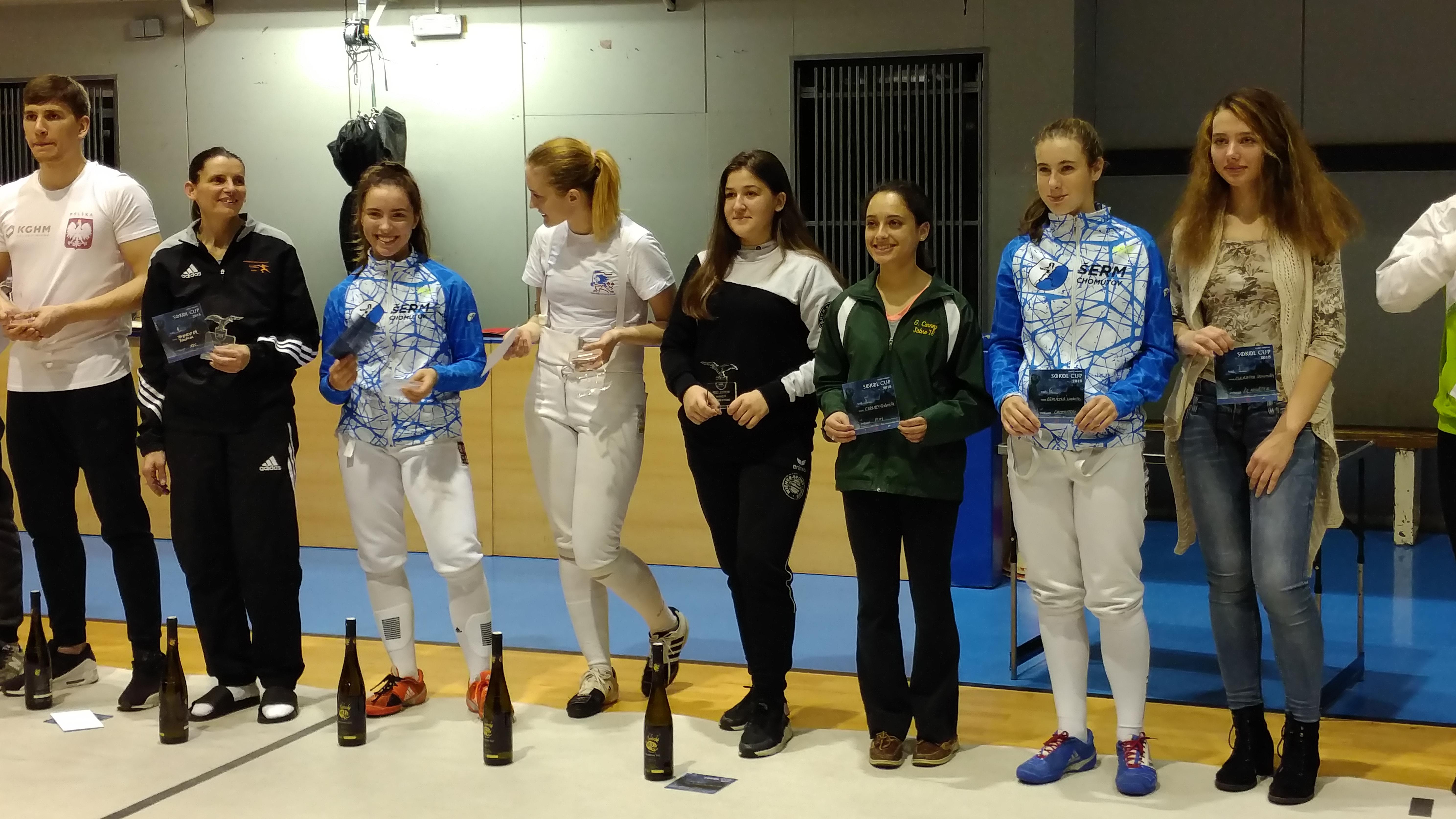Iasmina in Mitten der Finalistinnen in Brünn