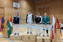 Meisterin Iasmina und Bronzemedaillengewinnerin Lisa-Maria am Stockerl