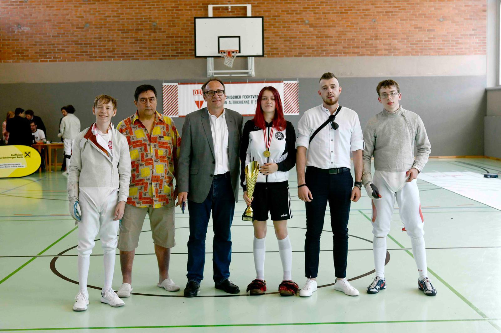 Unsere Delegation in Salzburg: Jonas, Nikolay, Hannes jun., Frida, Mateusz und Luki.