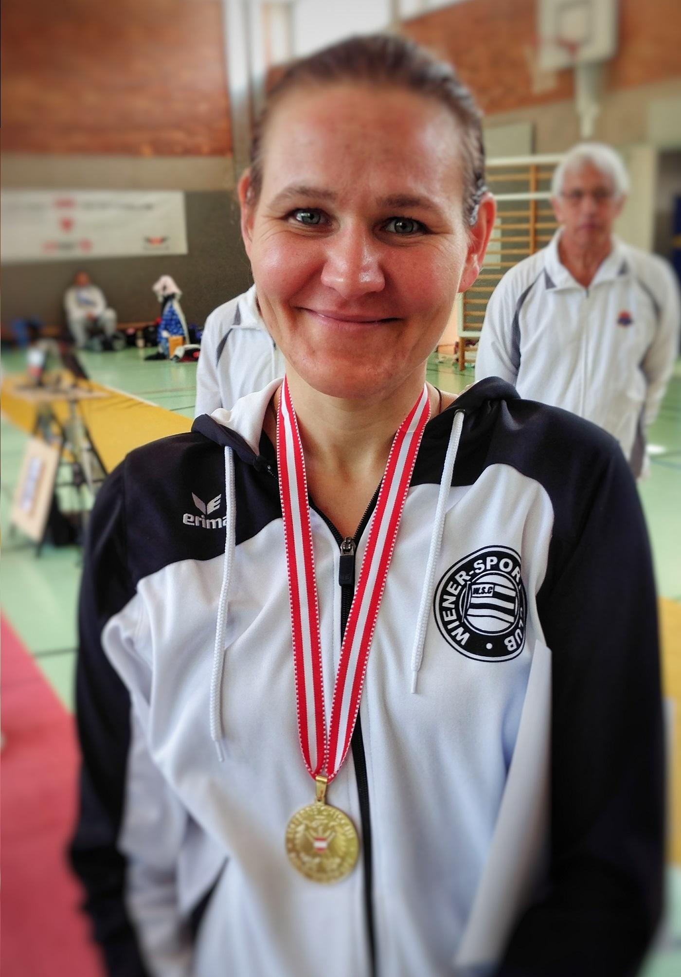 Irina mit der Goldmedaille