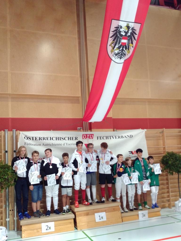 Unsere Silberbuben nahmen ihre Medaillen ebenso unter dem Bundesadler entgegen...