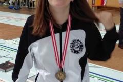 Frida beschwingt mit Medaille